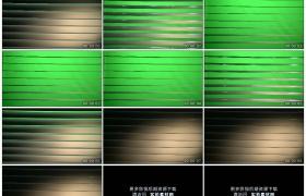 4K实拍视频素材丨打开关闭绿屏背景的百叶窗