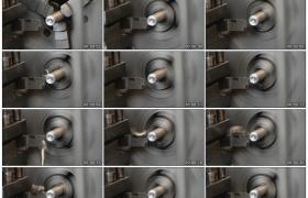 高清实拍视频素材丨特写工厂里铣床铣削金属机件
