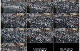 4K实拍视频素材丨俯拍下雨天日本东京涩谷街上来来往往的人群