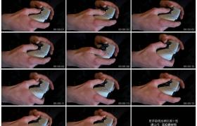 4K实拍视频素材丨特写双手拿着游戏手柄玩游戏