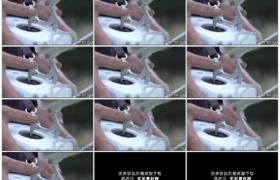 4K实拍视频素材丨特写男子操控无人机遥控器进行航拍