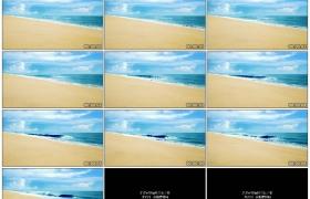 4K实拍视频素材丨航拍晴天金色的沙滩边蓝色的海水翻滚