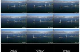 4K实拍视频素材丨航拍海上转动的风力发电机
