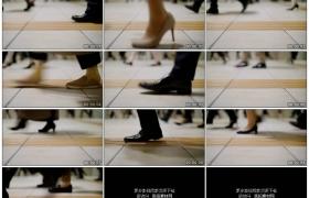 高清实拍视频素材丨低角度拍摄形色匆匆的人从镜头前走过