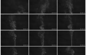 4K实拍视频素材丨黑色背景前白色的烟雾飘散