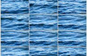 4K实拍视频素材丨蓝色的水流翻滚着波浪向前流动