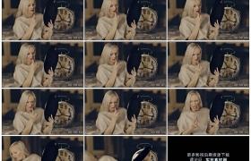 4K实拍视频素材丨女模特对着镜子涂口红发现口红有难闻的气味后扔掉口红