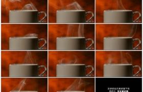 高清实拍视频素材丨特写咖啡杯上冒着白色的热汽