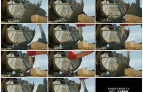 4K实拍视频素材丨晴天工地上从搅拌机流下的混凝土
