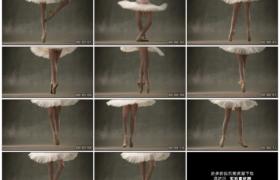 高清实拍视频素材丨女芭蕾舞演员在舞台上跳舞