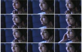 4K实拍视频素材丨在夜间工作的女客户服务员接听电话