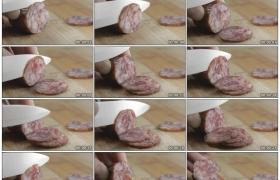 高清实拍视频素材丨特写用小刀将香肠切成片