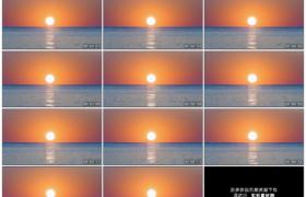 4K实拍视频素材丨清晨蓝色的海面上日出景观