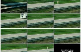 4K实拍视频素材丨在疾驰的汽车上拍摄公路上行驶的车辆