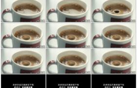 4K实拍视频素材丨一滴咖啡滴落进咖啡杯慢动作